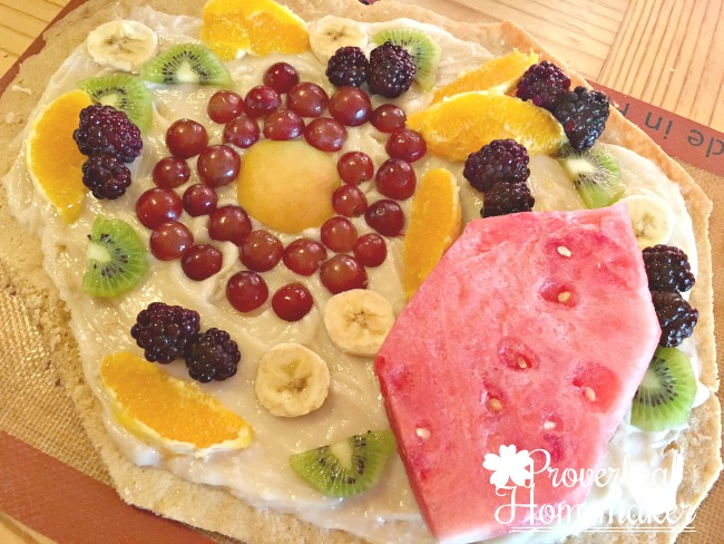 Edible Cell Model made of fruit pizza! Such a fun idea.