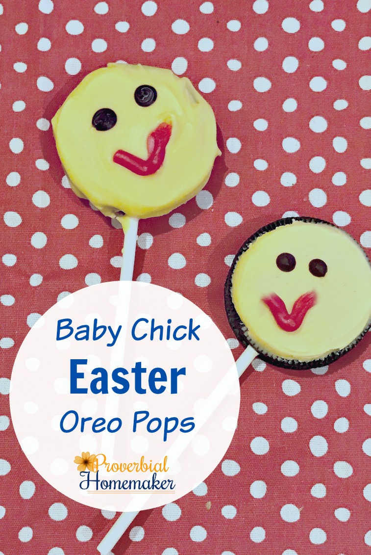 Try this fun recipe for baby chick Easter Oreo pops! Your kids will love them. PLUS find out how to color almond bark and keep it smooth!