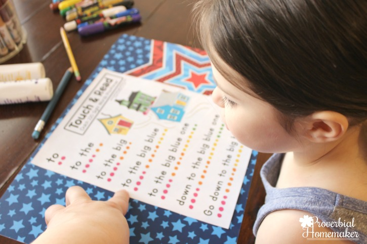Start teaching sight words in kindergarten with The Crafty Classroom curriculum Sight Word of the Week - sight word touch and speak